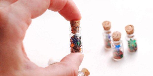 Mini sticlute cu dop de pluta, stelute si sclipici