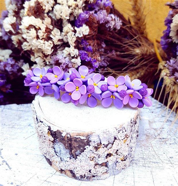Accesoriu par flori de liliac