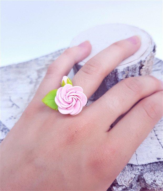 Inel trandafir roz