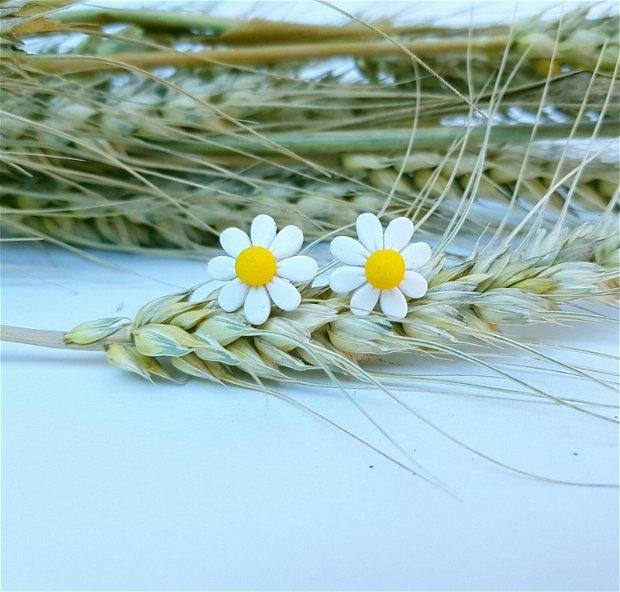 Cercei flori de musetel