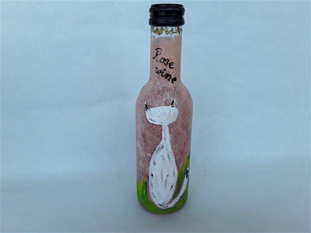 Sticla personalizata cu vin roze pictata manual cu pisicuta