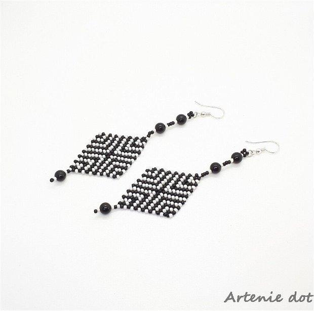 Cercei  lungi model romb / alb si negru /simbol traditional/onix negru/argint925