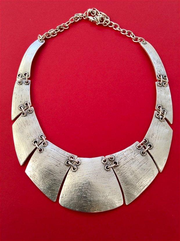 Colier zamac argintat