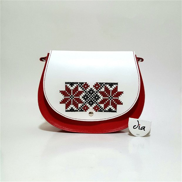 Geanta traditionala, din piele naturala, lucrata si brodata manual, cu motiv traditional