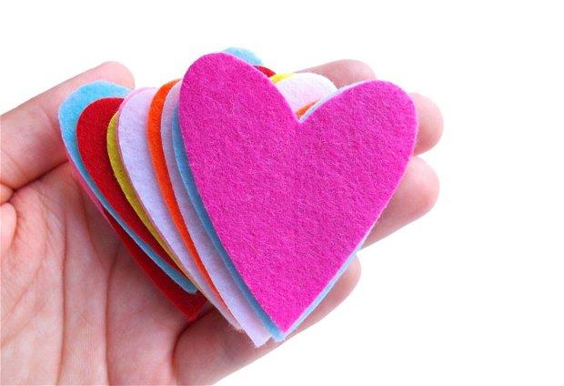 Inimi  Mari din Fetru -  Mix 13 buc  [ 5.5  x 4.7  cm ]