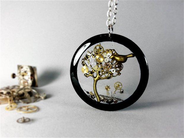 Copacel steampunk negru , Piese de ceas prinse in rasina ecologica, Tree of life negru , Rasina transparenta