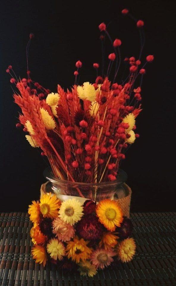 Decoratiune cu flori uscate