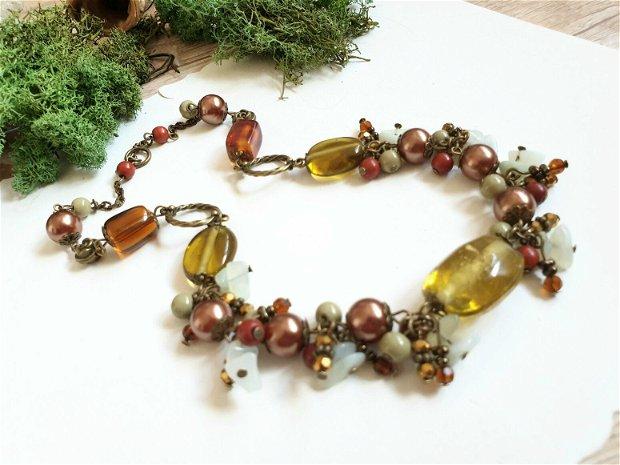 Colier tomnatic oliv
