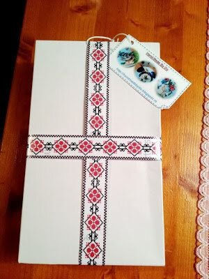 Bluza model traditional romanesc