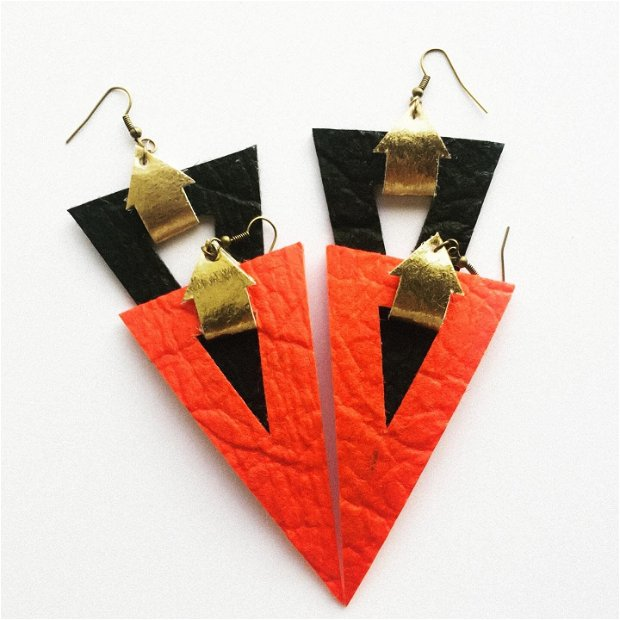 "Cercei ""Triangle"" din Pinatex / piele de ananas"