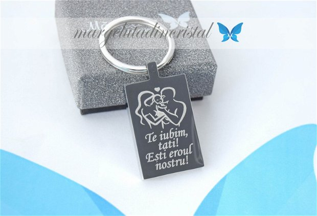 Breloc Personalizat - Te Iubim Tati / Esti Eroul Nostru