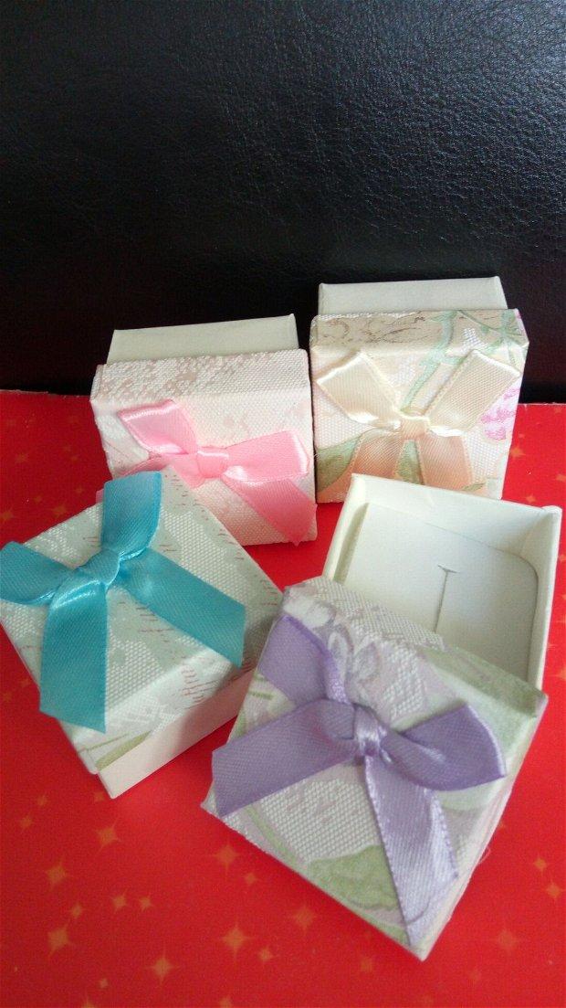 Set 4 cutiute cadou