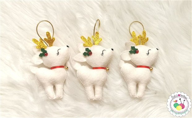 Ornament ren cu clopotel