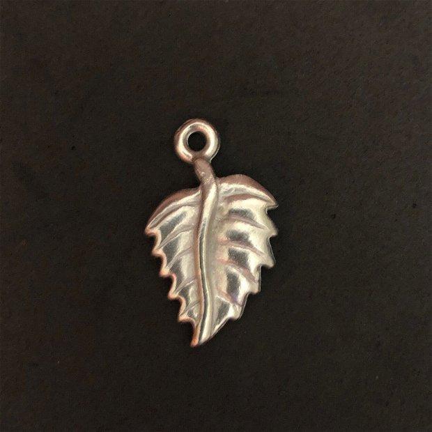Vintaj Artisan Pewter - 25x15 Leaf