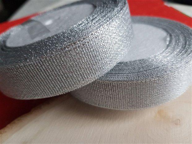 Banda argintie
