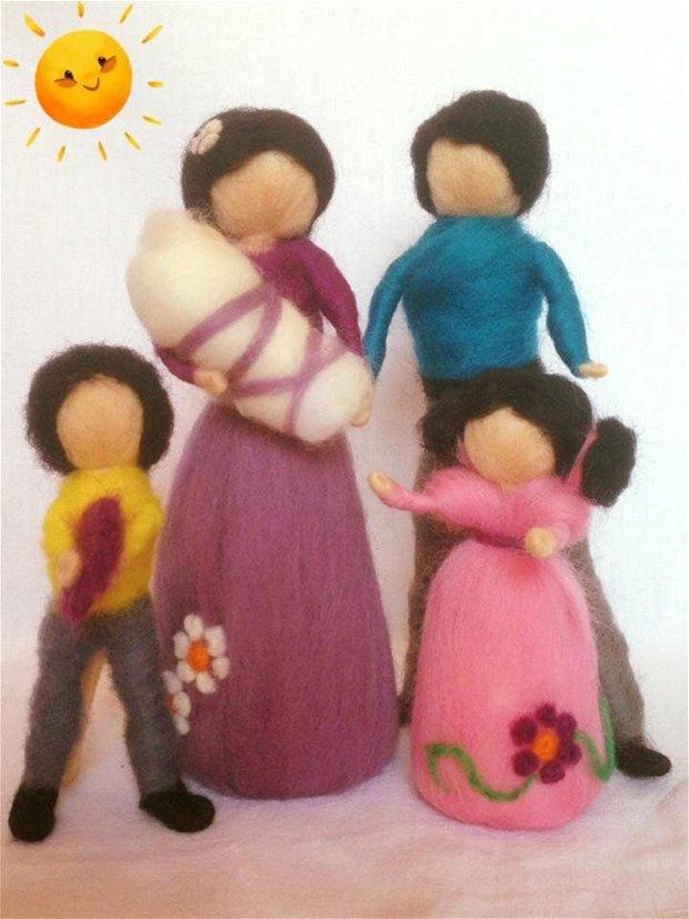 Familia mea, personaje handmade din lana merinos. Pedagogia Waldorf.