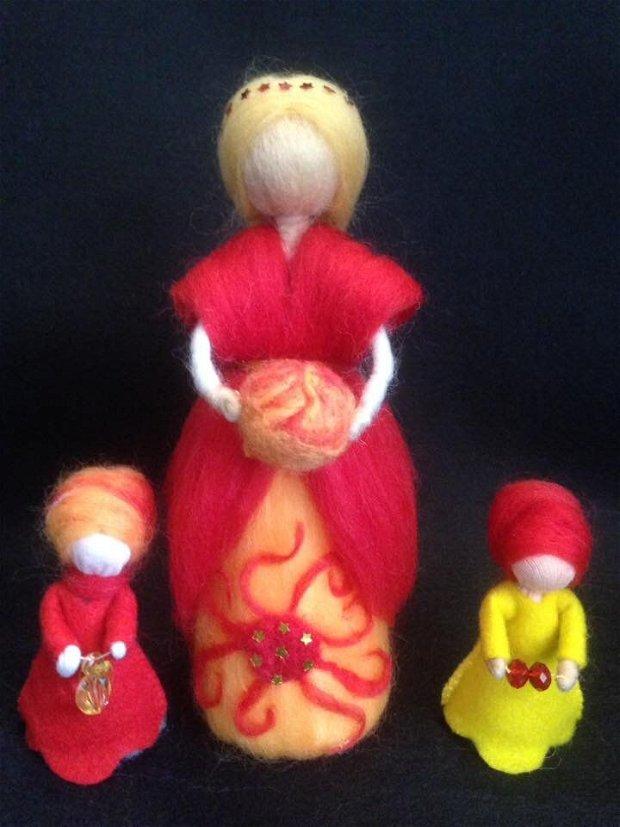 Zâna Verii. Decorațiune Waldorf handmade din lână de merinos 100%