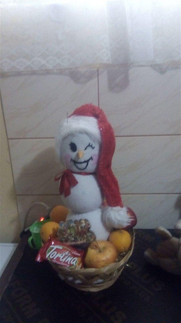 Om de zăpadă  fericit