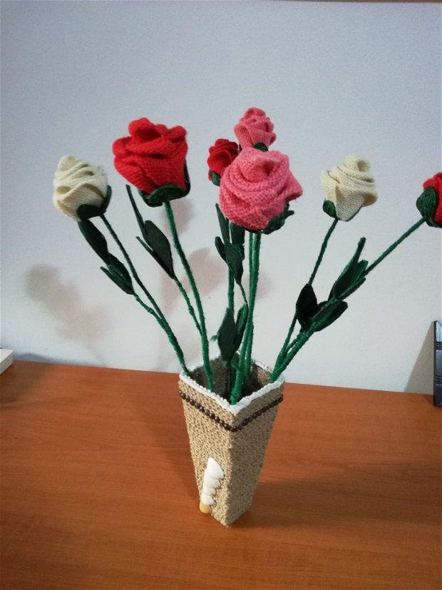 Vas cu Trandafiri