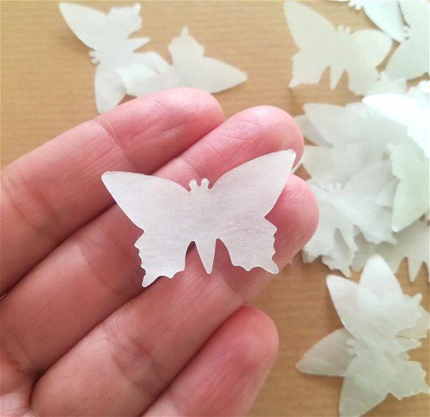 500 Fluturi decupați din hârtie translucida