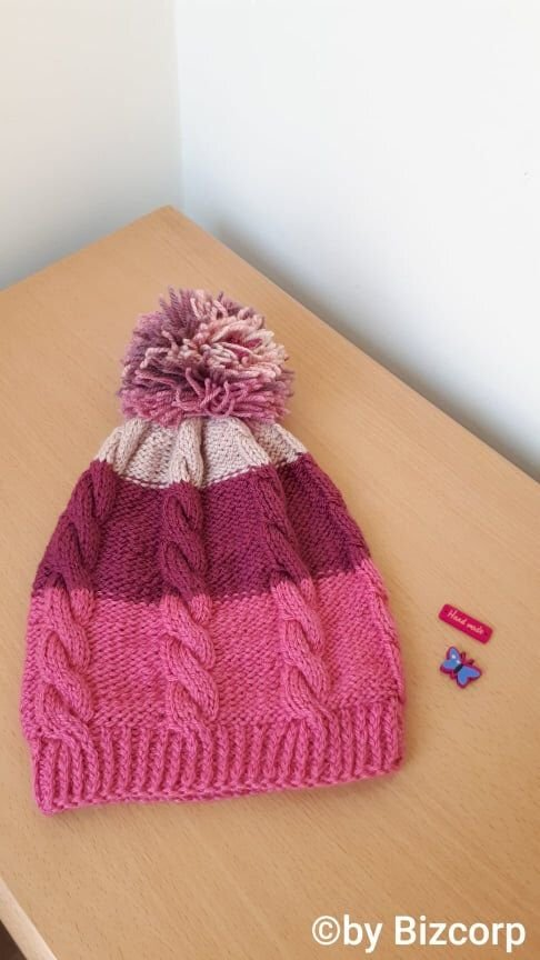 Caciula tricotata multicolor