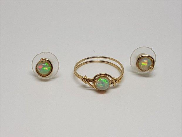 Cercei cu opal etiopian , cercei din aur filat , cercei stud
