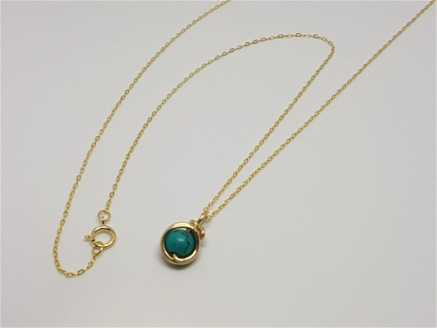 Pandantiv din aur cu piatra naturala