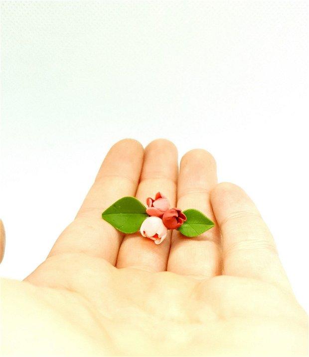 Brosa-martisor boboci de cires