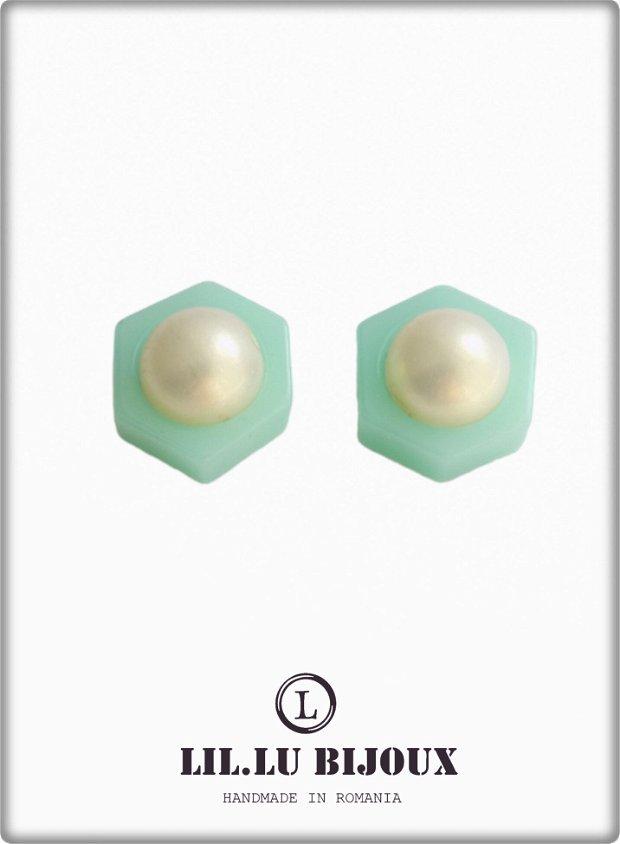 Cercei cu perle, montati pe baza din Ag925