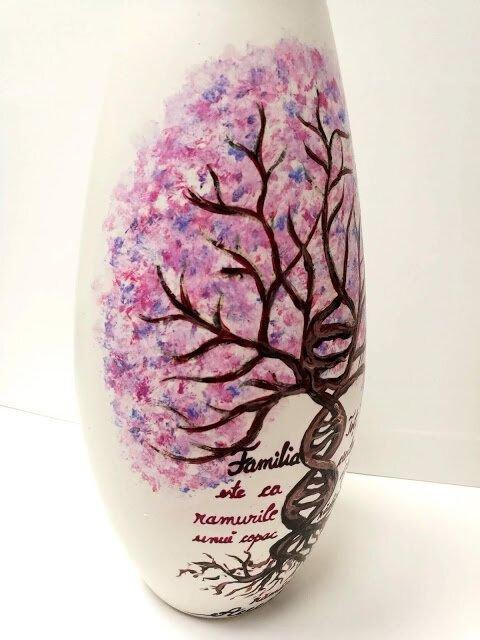 Vaza pomul vietii-ADN