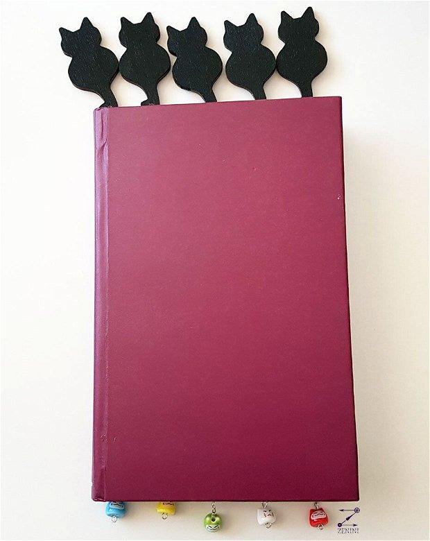 Semn de carte pisica, semn de carte pisici colorate, semn de carte cu lant, semn de carte pisica neagra