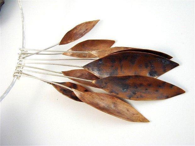 Colier fix, la baza gatului, din argint 925, si frunze din cupru oxidat
