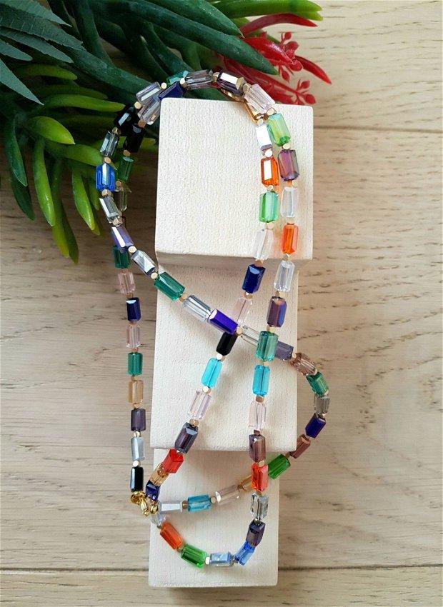 Colier cu cristale multicolore dreptunghiulare si cuburi
