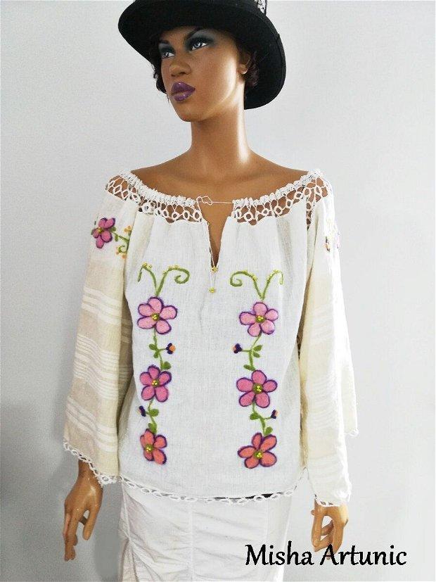 Bluza ethno urban cu motiv floral impaslit