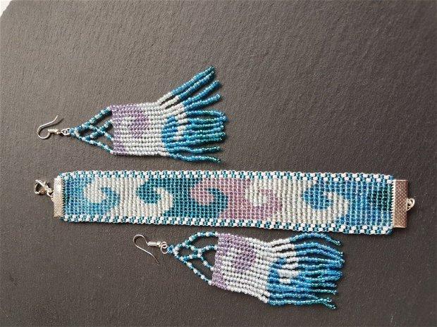 """set unicat compus din bratara si cercei, cu model """"valuri"""", realizat din margele de nisip bleu, albastre, albe, verzi"""