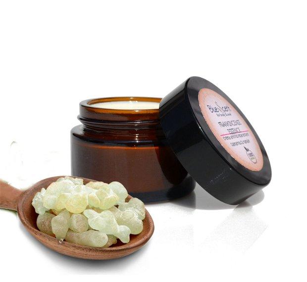 Frankincense Essence-crema antirid,regeneranta,reparatoare cu tamaie si laptisor de matca-BlueScent