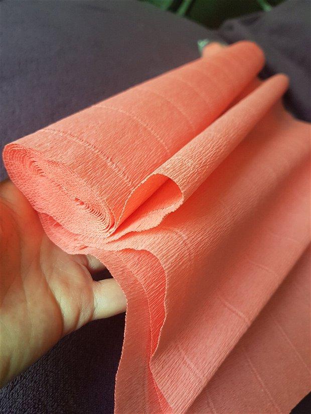 Hârtie floristica (50cmx2,5m) roz piersica