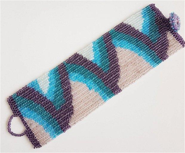 bratara manseta din margele de nisip bleu, verzi, roz, opal, tesute in model creste de valuri