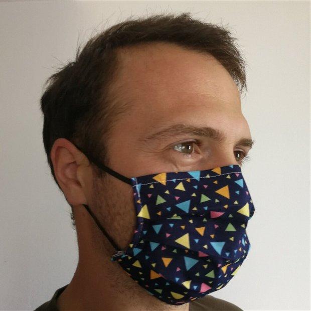 Masca de protectie bleumarin cu triunghiuri colorate si cu filtru din polipropilena