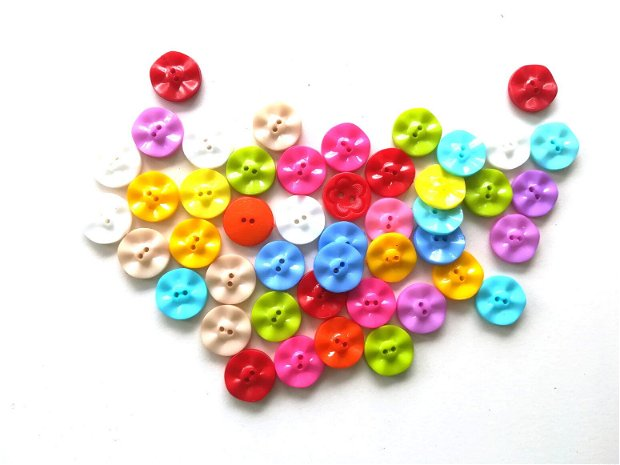 30 x Nasturi din plastic. Nasturasi colorati. Nasturi 15 mm