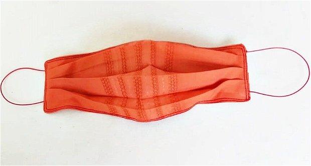 masca textila teracota ( cu broderie fina )