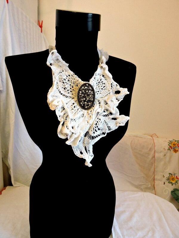 guler colier textil alb crosetat manual dantela