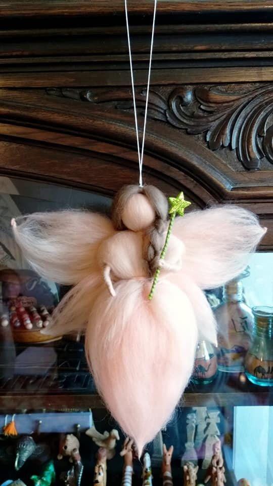 Zâna - decoratiune Waldorf din lână merinos