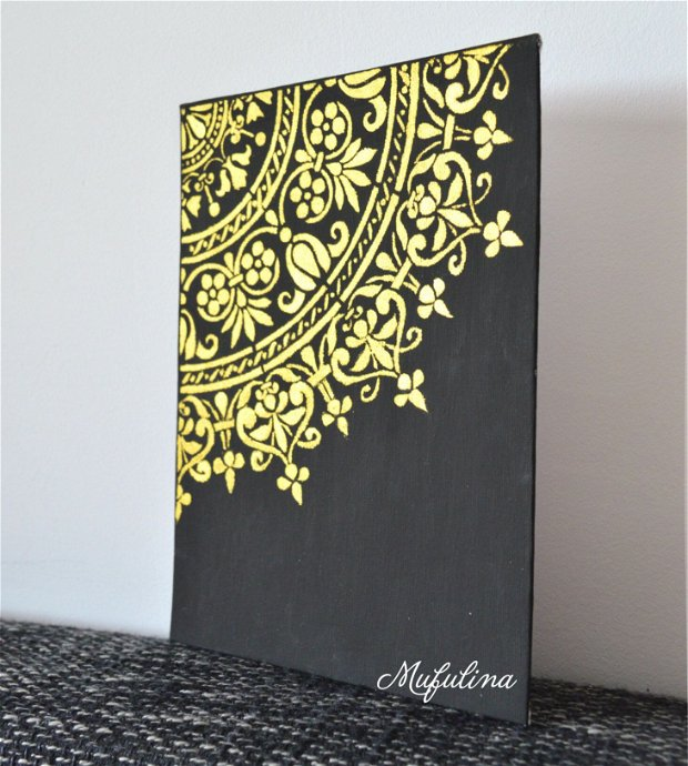 Deco Gold on Black
