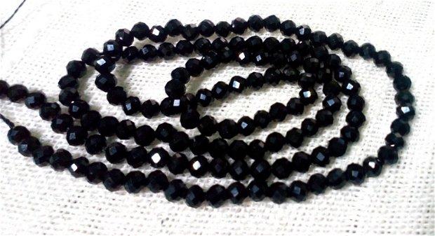 Black spinel, 1 fir