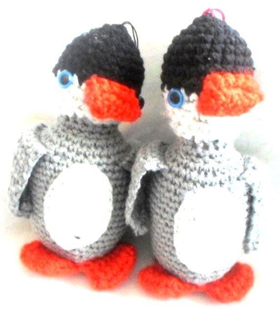 Pui de pinguin cu burtica crem