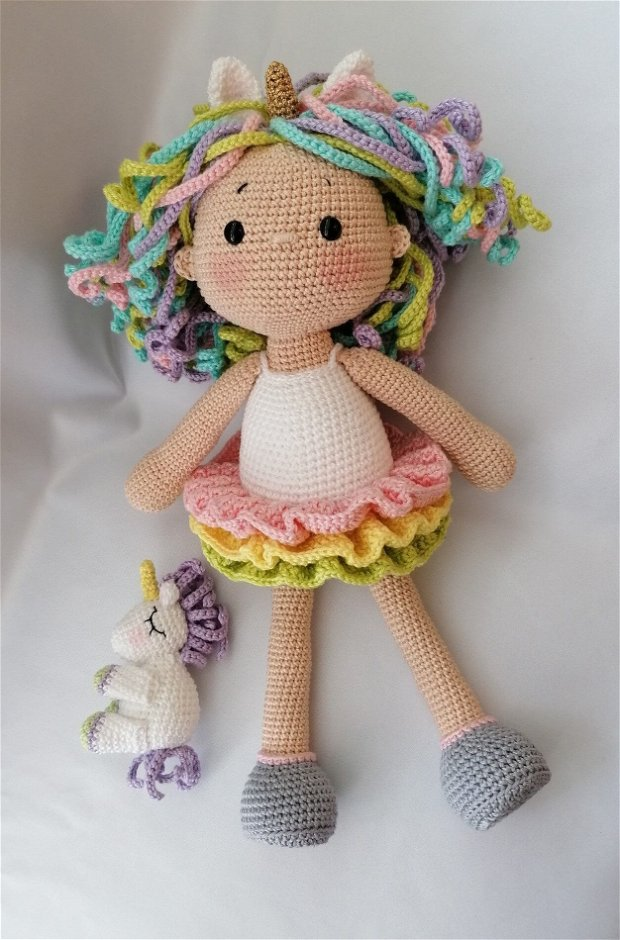 Ella unicorn papusa crosetata amigurumi