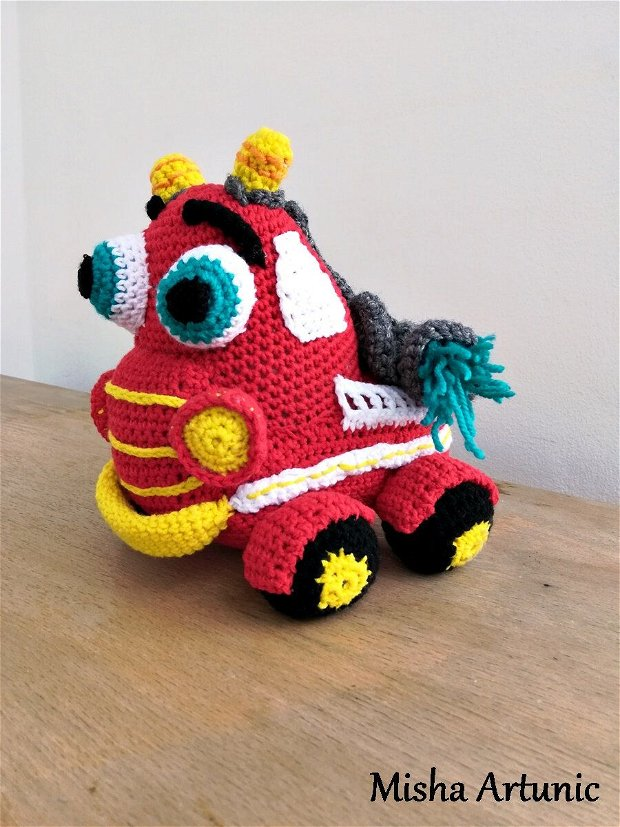 Masina pompieri crosetata - Jucarie/ Homedeco