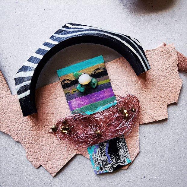 Colier cu pandantiv mare din piele naturala, Colier din sarma si margele mixed media, colier statement unicat, colier collage art