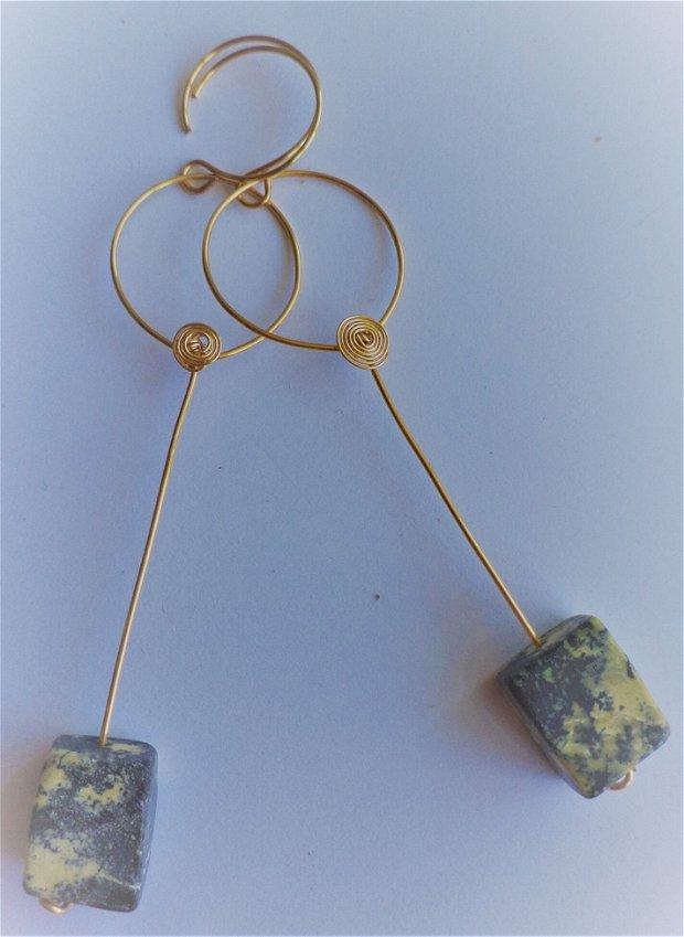 Cercei handmade din sarma si pietre de jasper dreptunghiulare